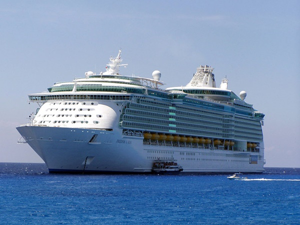 Woman swims after cruise ship
