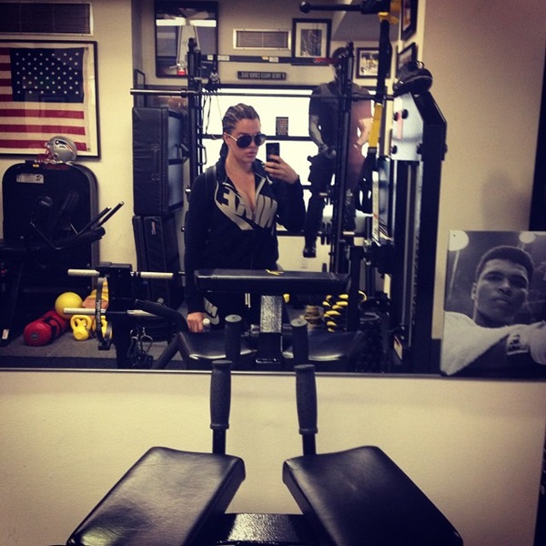 khloe kardashian hits the gym hard gets corn rows