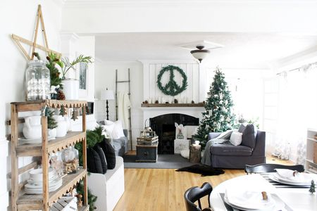 pictures of living room decorated for christmas red black and white rooms ideas 21 beautiful ways to decorate the scandinavian decor