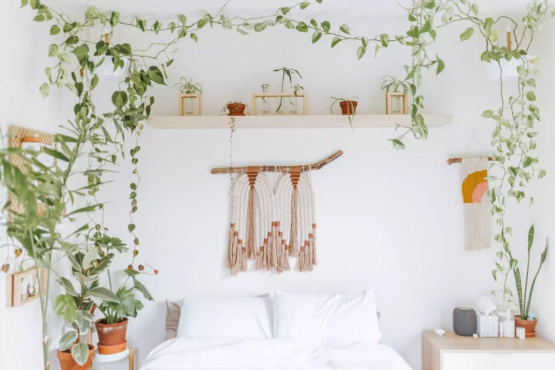 Earthy bedroom decor