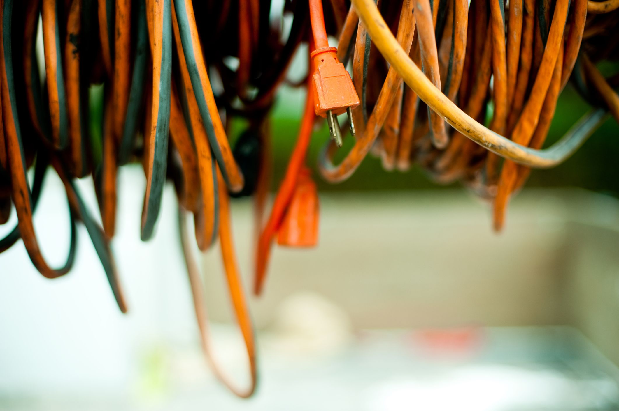How To Replace The Plug On An Extension Cord Or Power Cord
