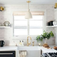 White Kitchen Countertops Hutch 20 Options For 17 Quartz Busy Cooking Spaces