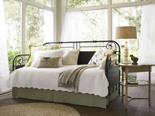 what to look for in a daybed