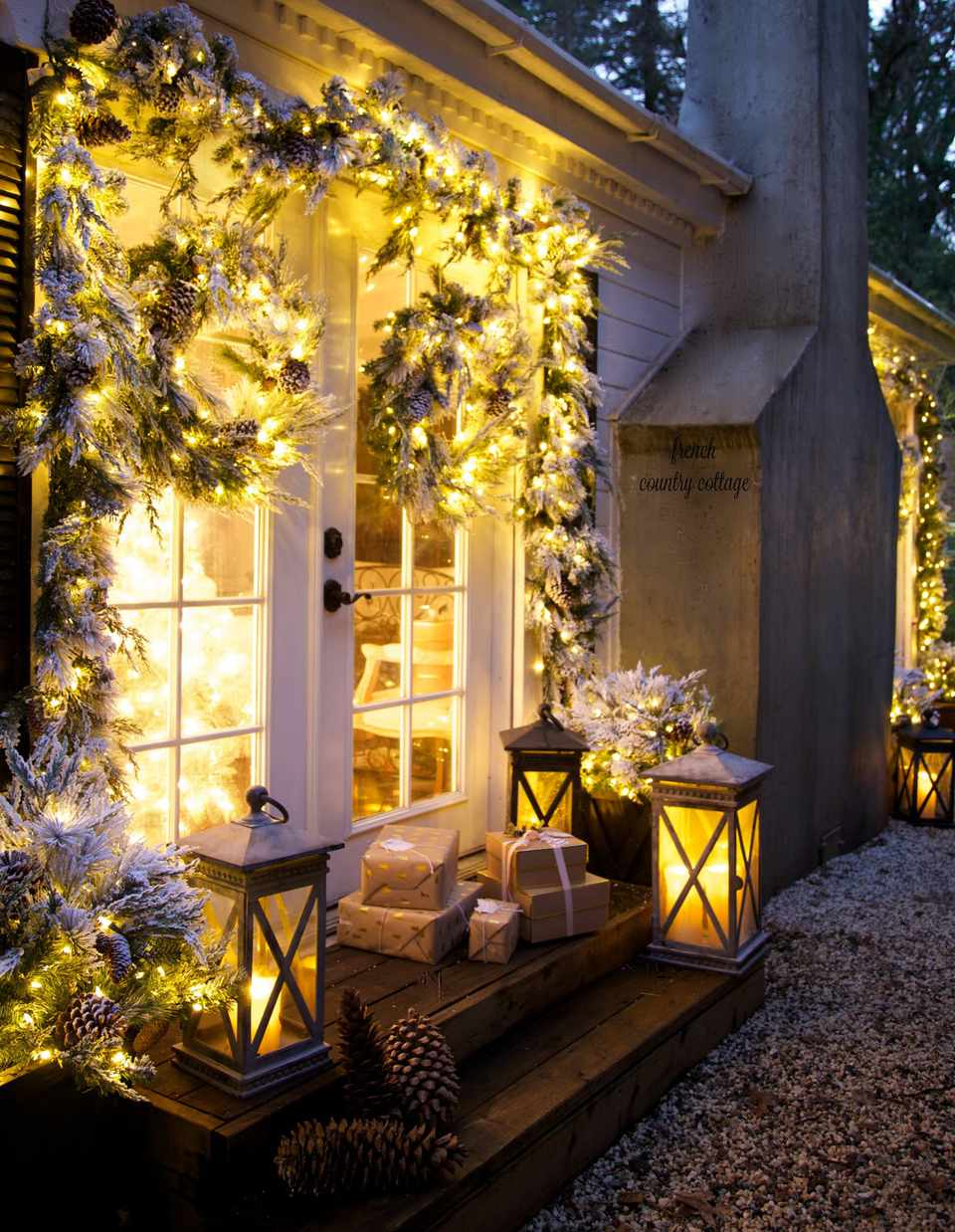 12 Best Outdoor Christmas Lights Displays For Your Yard