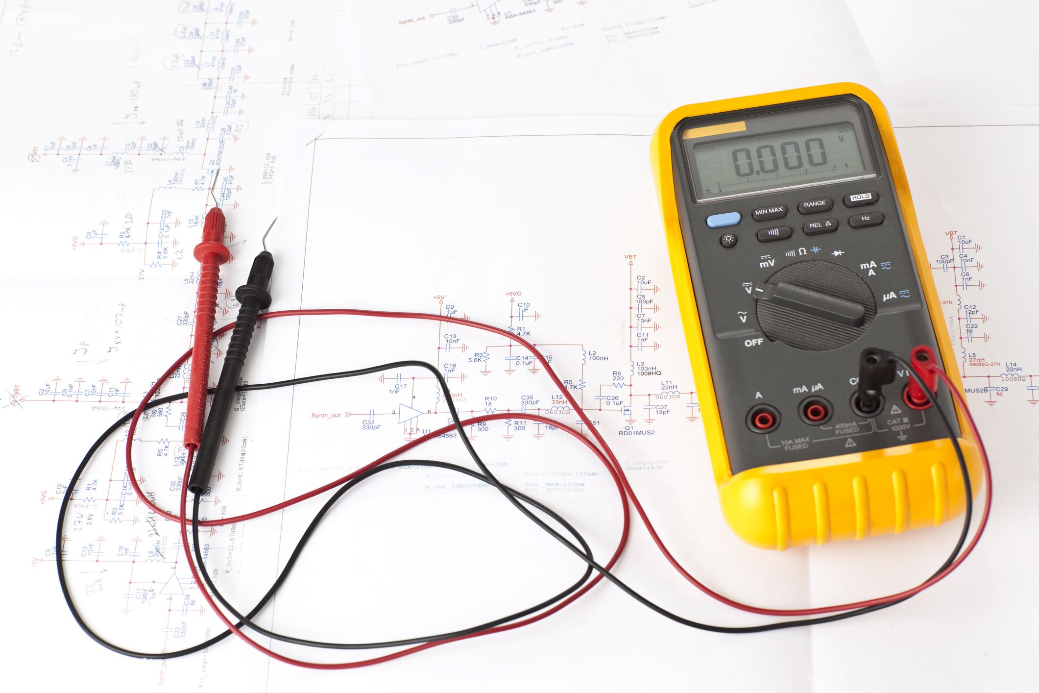 Testing For A Complete Circuit In A Light Bulb Holder