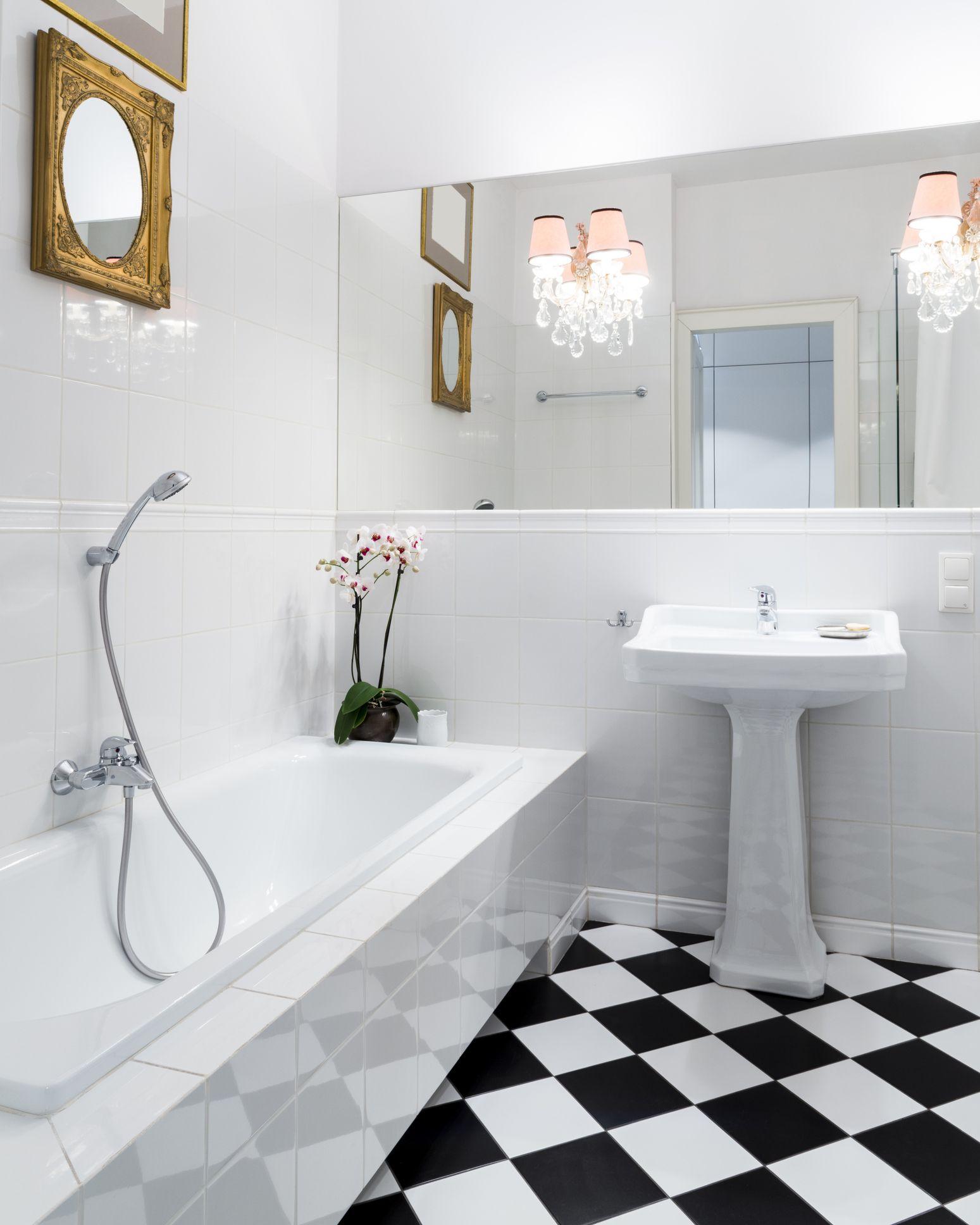 Considerations For Linoleum Flooring In Bathrooms