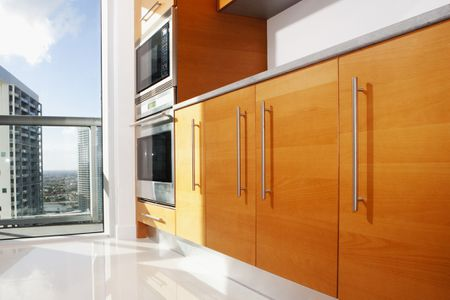 Frameless Cabinets Combining Modern Style With Smooth Function