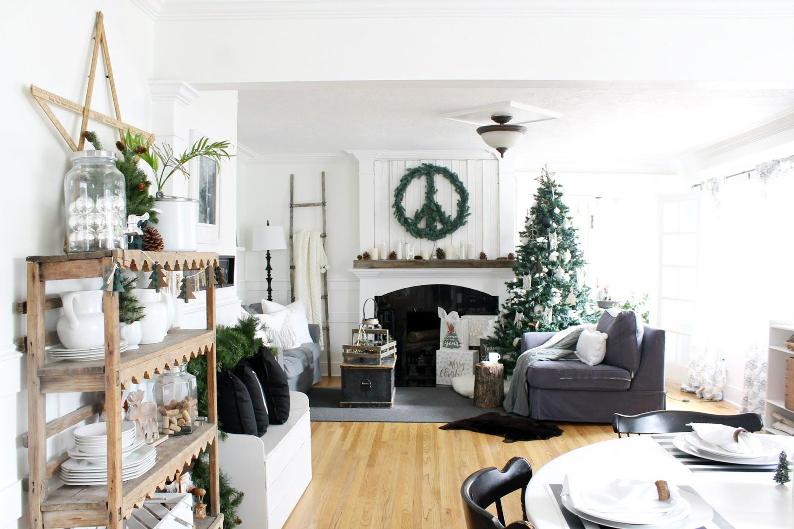 decorate small living room for christmas gold sofa 21 beautiful ways to the