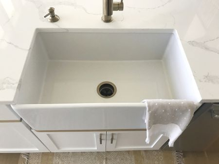 one tells you about farmhouse sinks