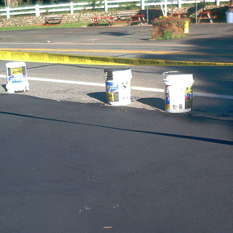 sealing asphalt driveways a