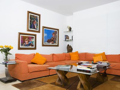 what is the best color for living room feng shui large artwork how to use blue good s way orange tips