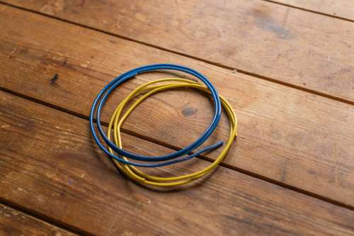 small resolution of blue and yellow wires insulation