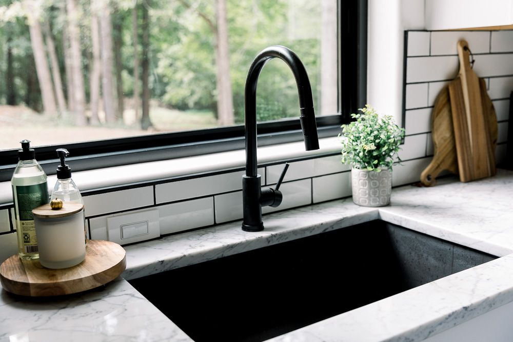 how to buy a new kitchen faucet
