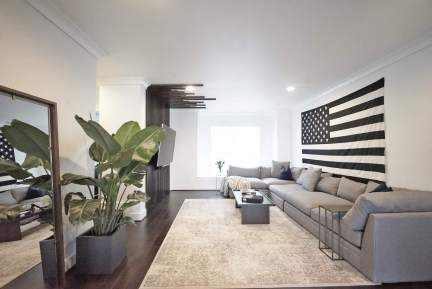 Living room decorated in gray