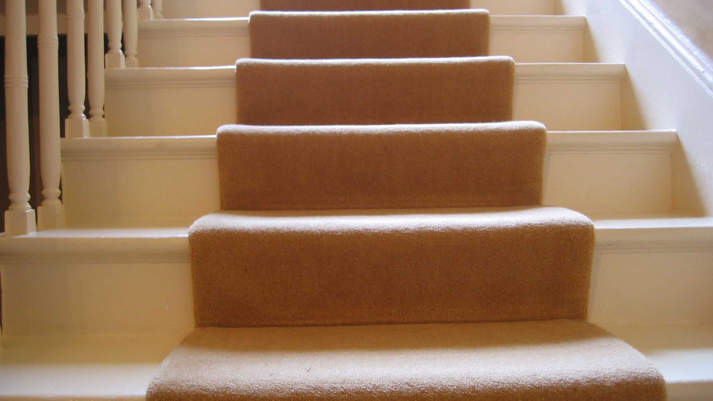 Guide To Choosing A Carpet Runner For Stairs   Ready Made Outdoor Steps   Support   Creative   Patio   Design   Craigslist