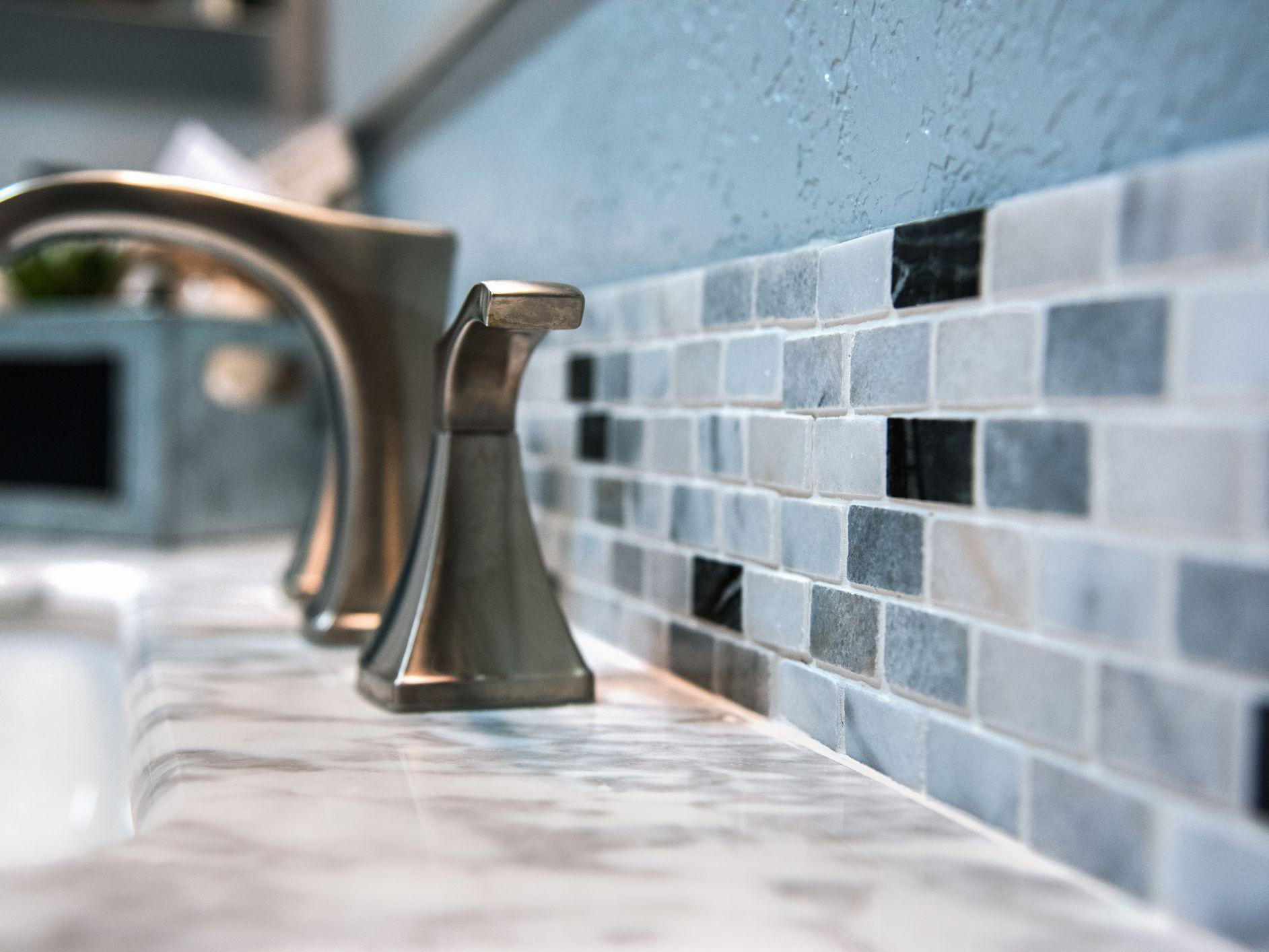 kitchen and bathroom backsplashes guide