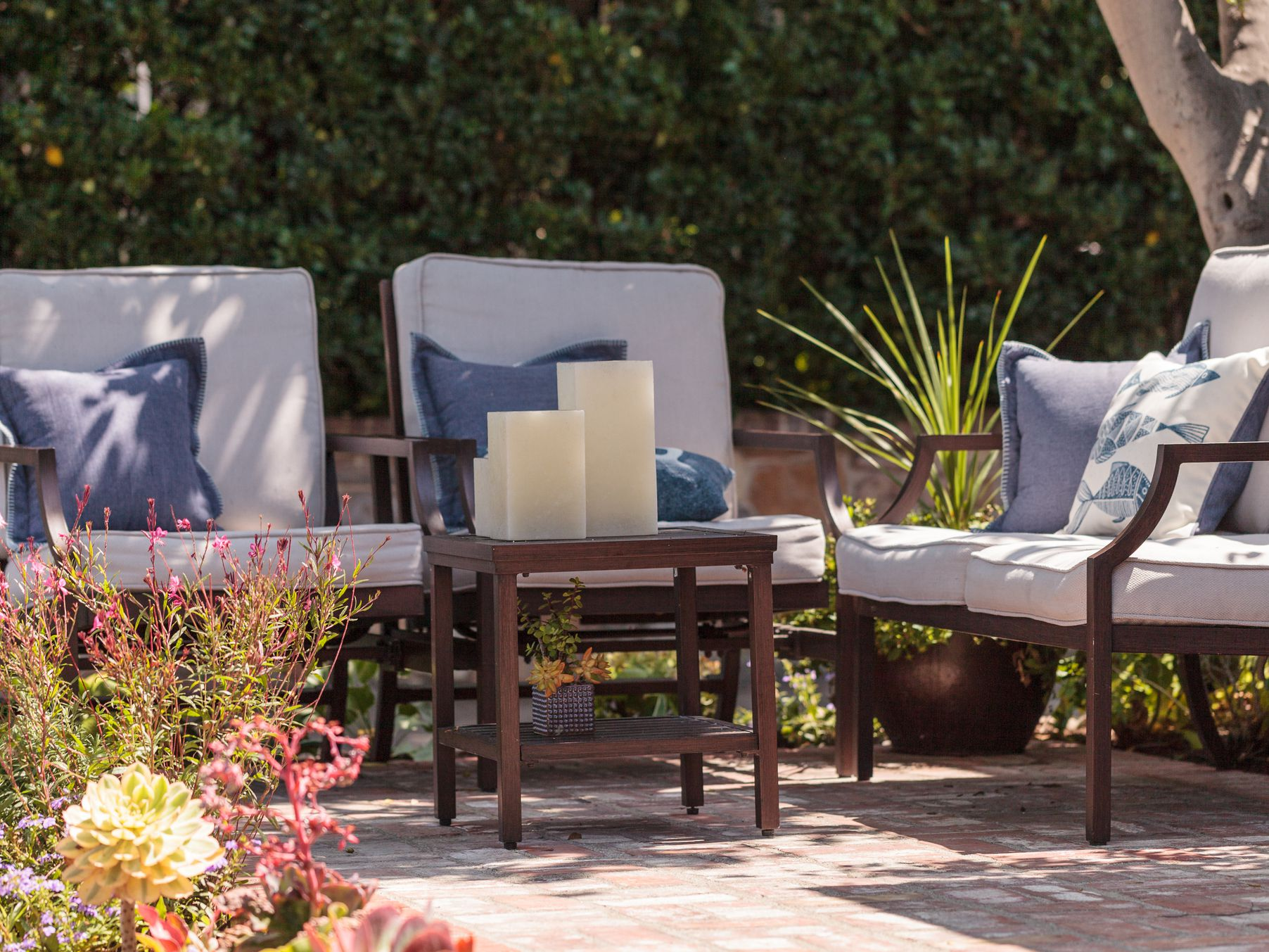choosing and shopping for outdoor fabrics