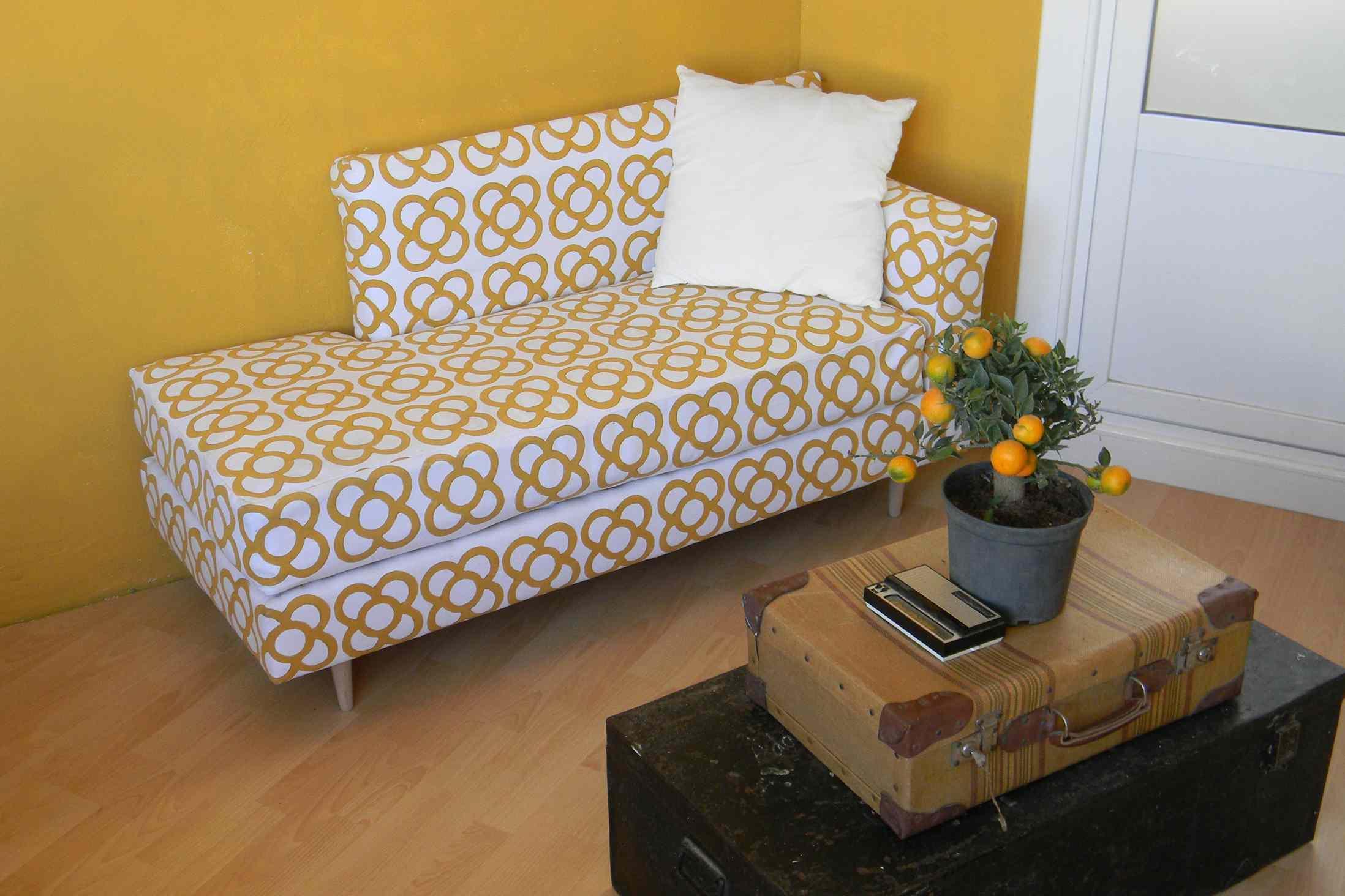 18 doll sofa diy little girls 22 smart and stylish ways to decorate empty corners