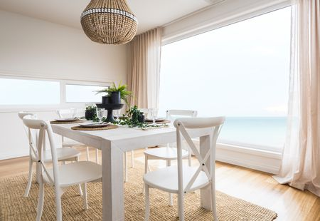 designer tips on how to hang drapes