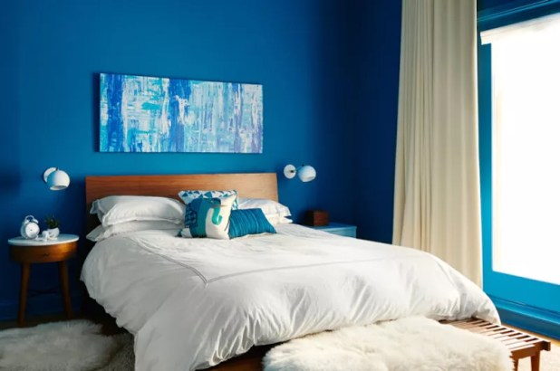 mavi beyaz yatak odası