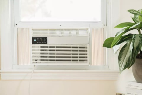 Why do we still believe these misleading air-conditioner myths?