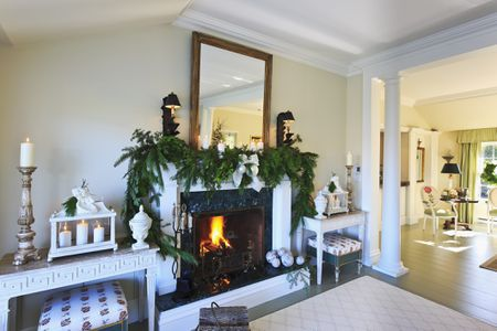 beautiful living rooms at christmas leather furniture room ideas 21 ways to decorate the for