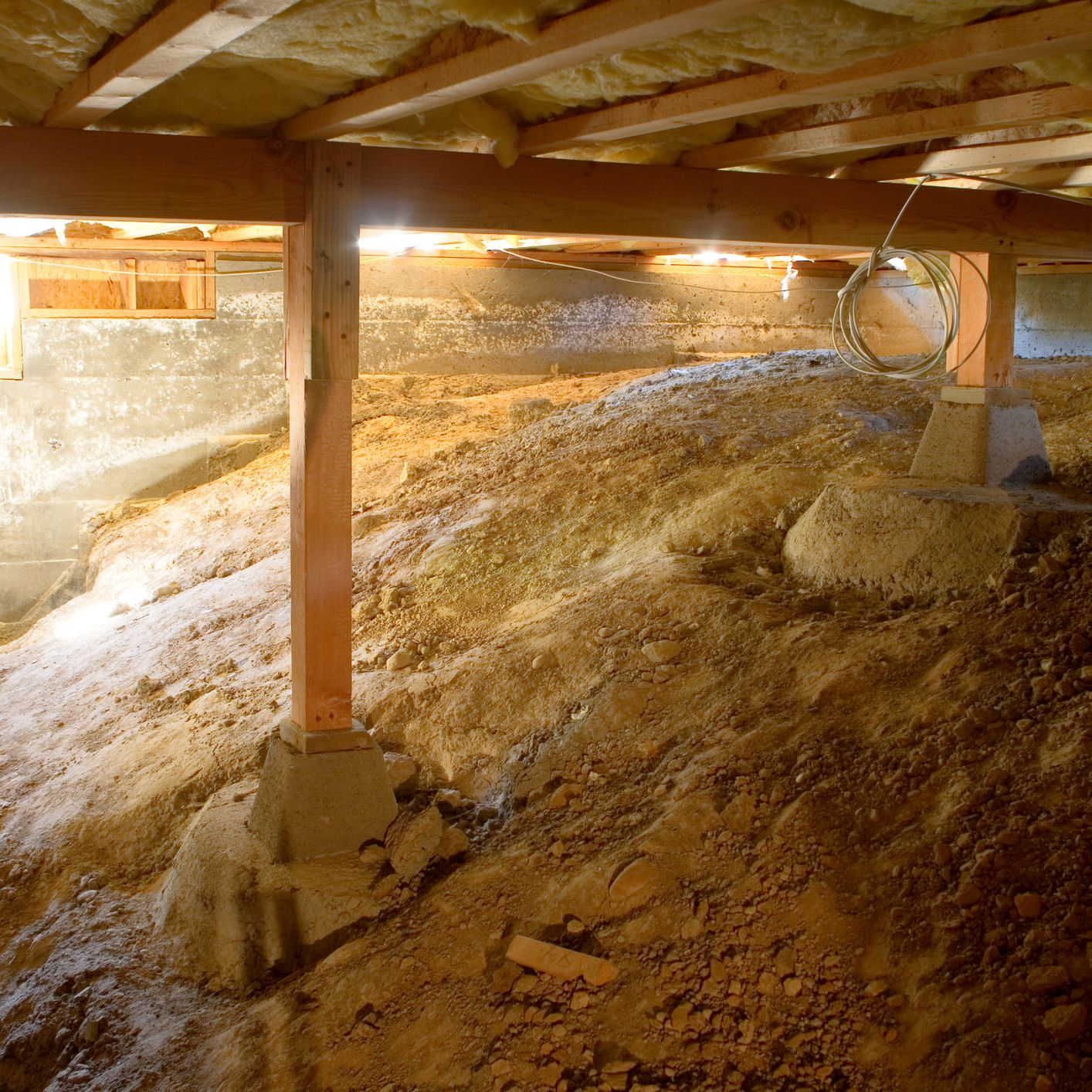 fix water problems in the crawl space