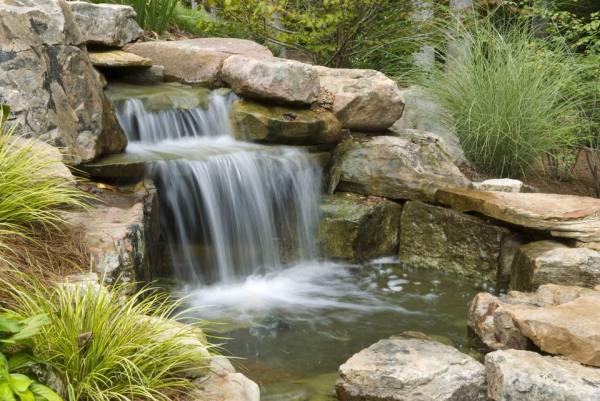 build outdoor waterfalls