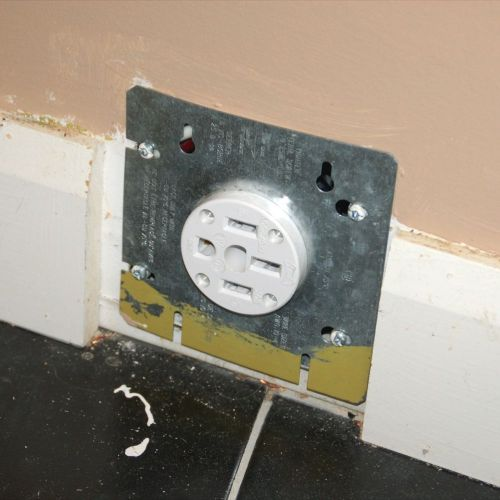 small resolution of double outlet electrical receptacle wiring