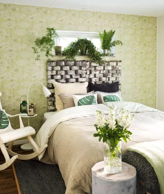 Bedroom with houseplants