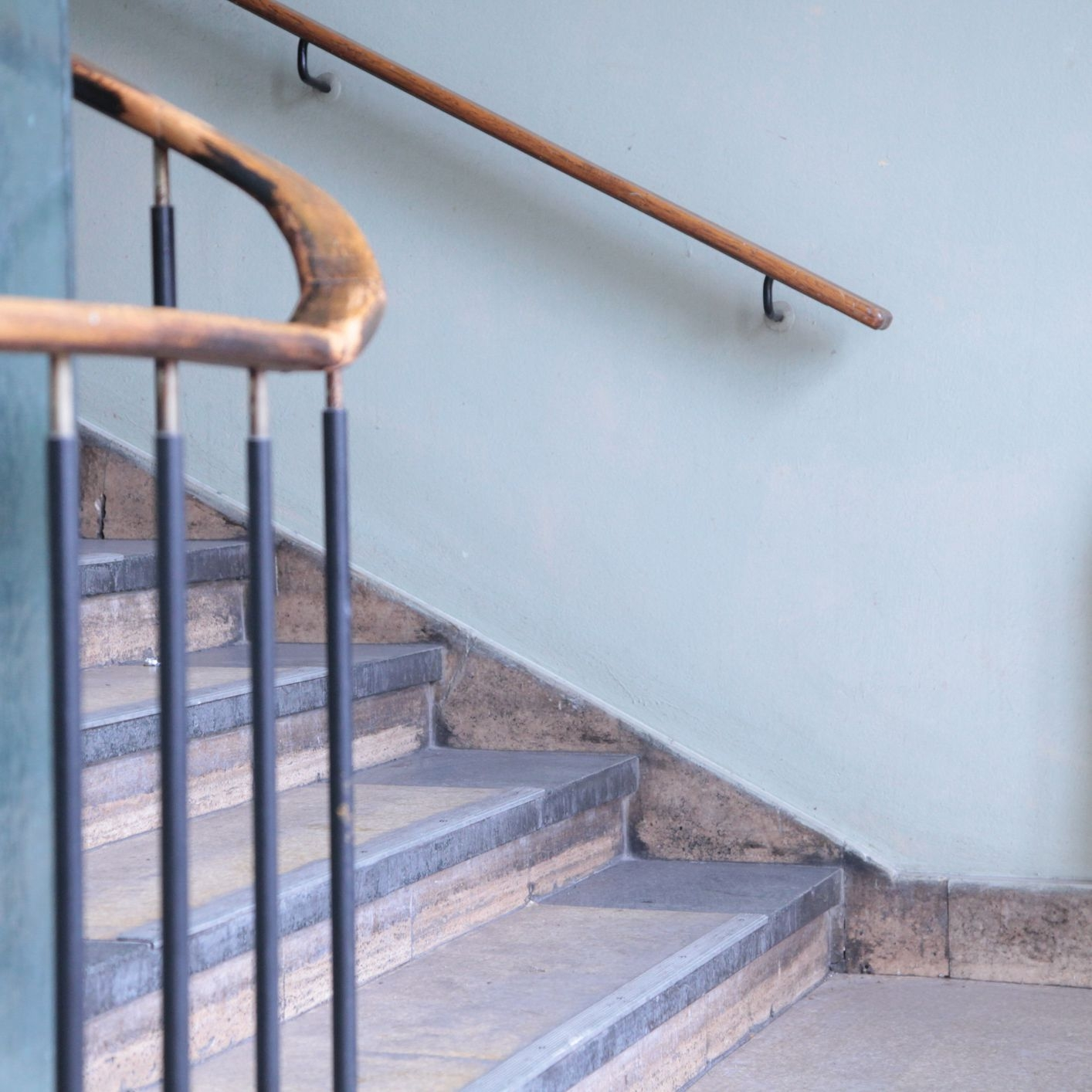 Stair Railing Building Code Summarized | Wooden Handrails For Stairs Interior | Design | Brown | Simple | Wall Mounted | Indoor
