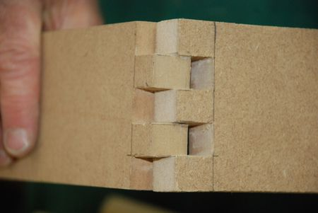 Cutting Box Joints With A Router