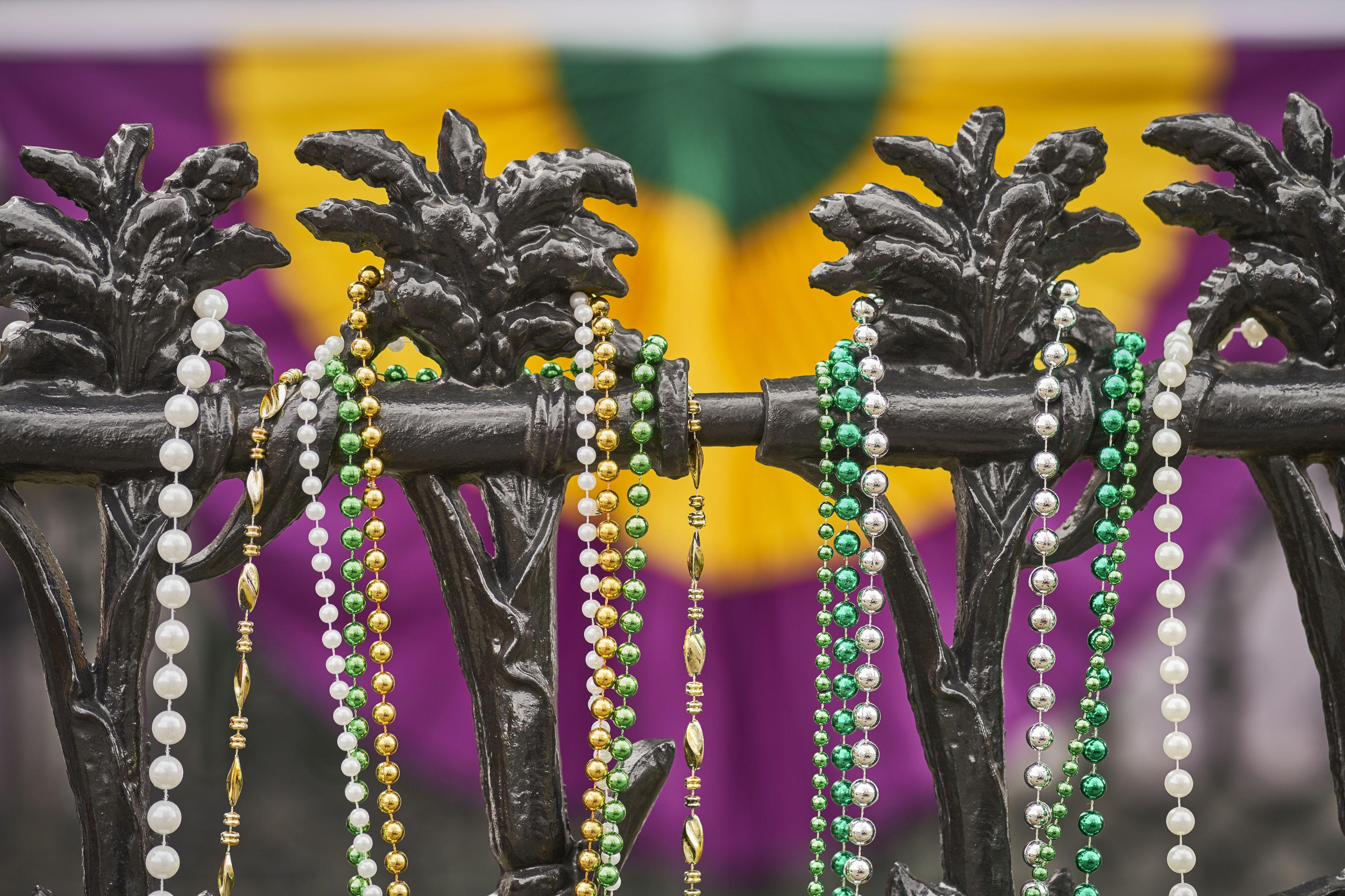 Mardi Gras Free Stuff Masks Invites And Printables