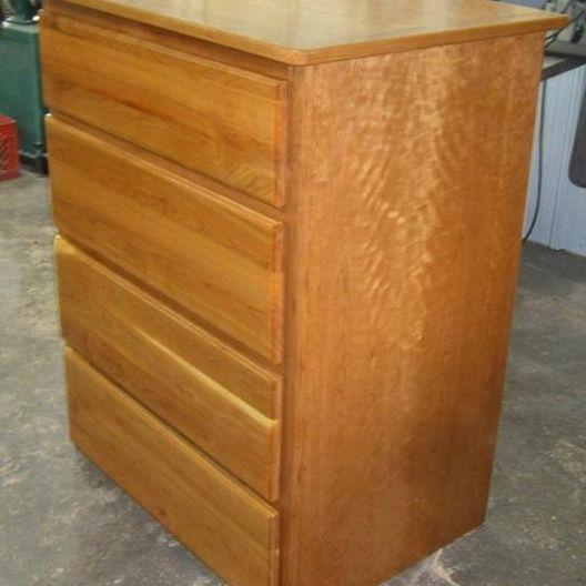 Dresser Carcass Construction