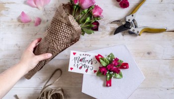 Mother's da present box and handmade bouquet of roses