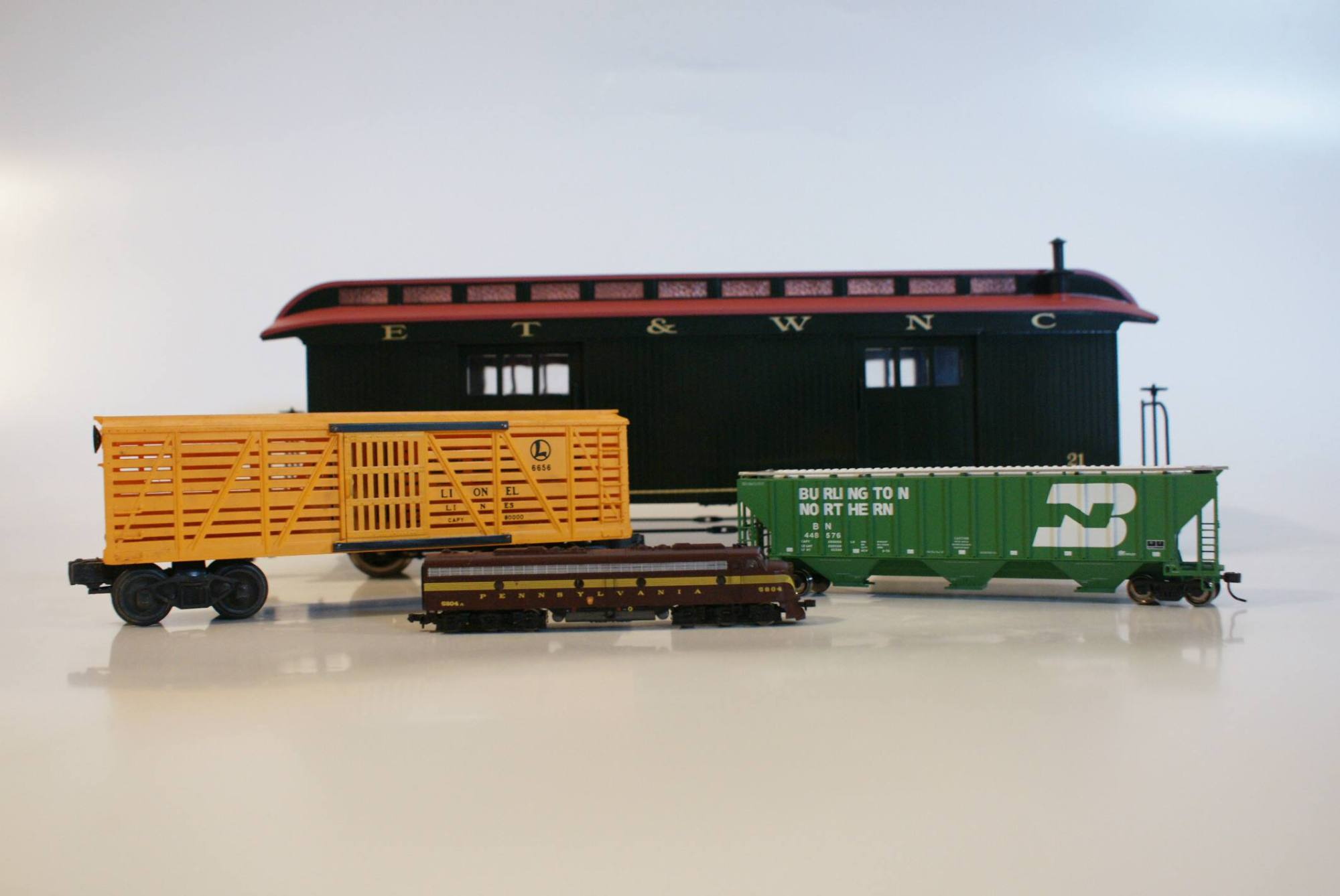hight resolution of model train scales