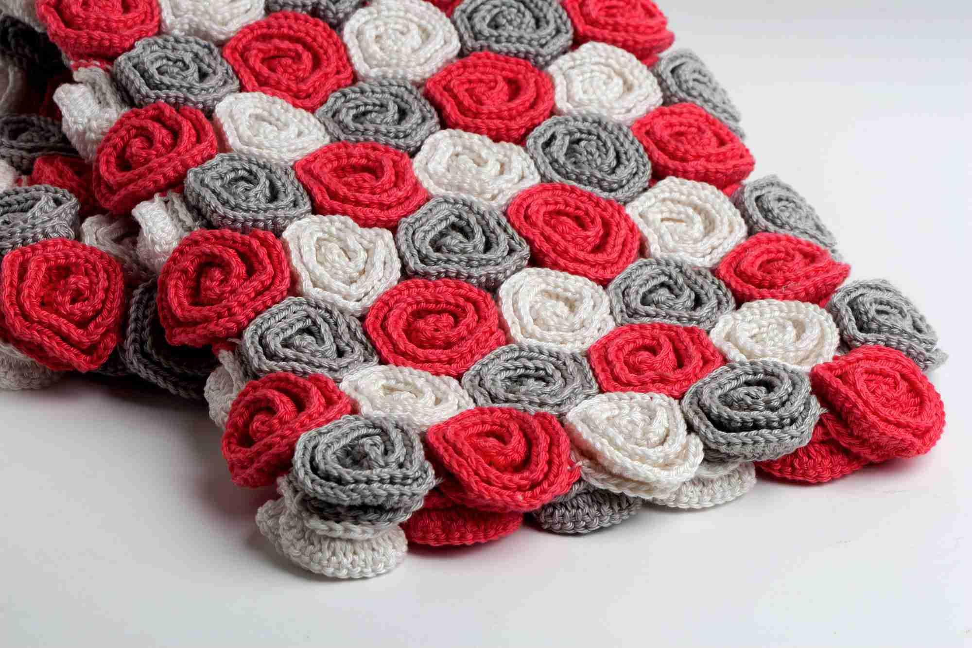 hight resolution of roses crochet blanket