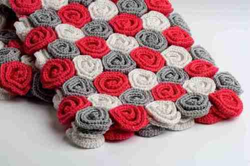 small resolution of roses crochet blanket