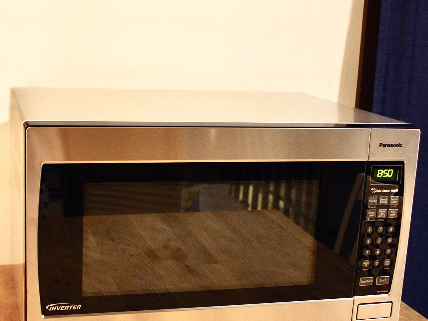 2 2 cu ft countertop built in microwave with inverter technology