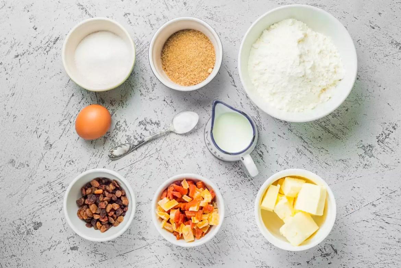 Ingredientes de la receta de pastel de roca tradicional