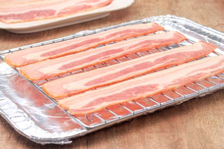 make bacon in the oven