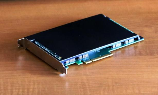 Mushkin Scorpion Deluxe PCIe SSD Package Closer
