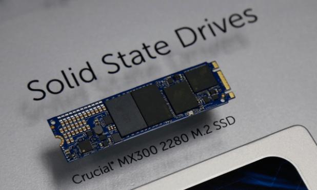 Crucial MX300 M.2 2280 SSD