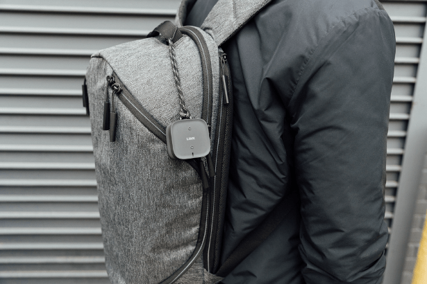 likn-by-fasetto-with-backpack