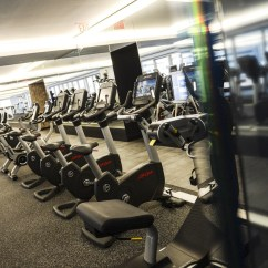 Biz Chair Com Wheelchair In French Luxury Gyms Target High-end Clients | Toronto Star