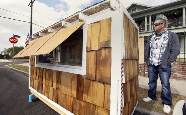 Tiny Wheeled Houses For Homeless In Los Angeles Yes
