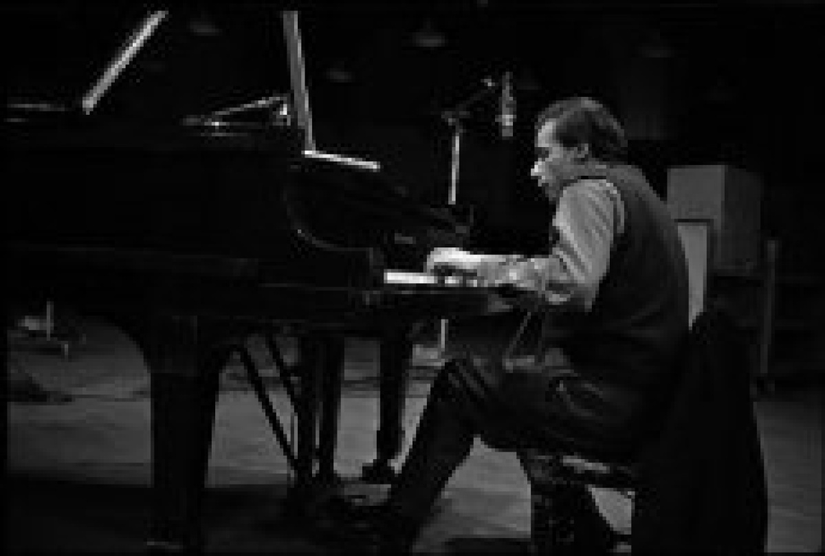 Glenn Gould joins Oscar Peterson for posterity at the NAC