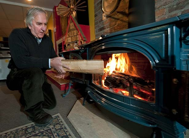 Montreal Eyes Ban On Wood Burning Stoves Fireplaces The