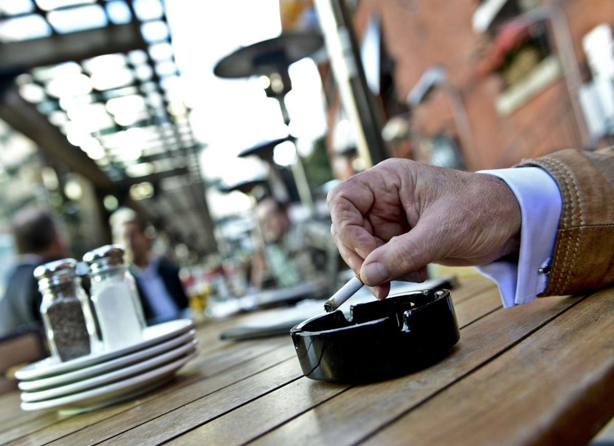 Secondhand smoke a risk even on patios says study  Toronto Star