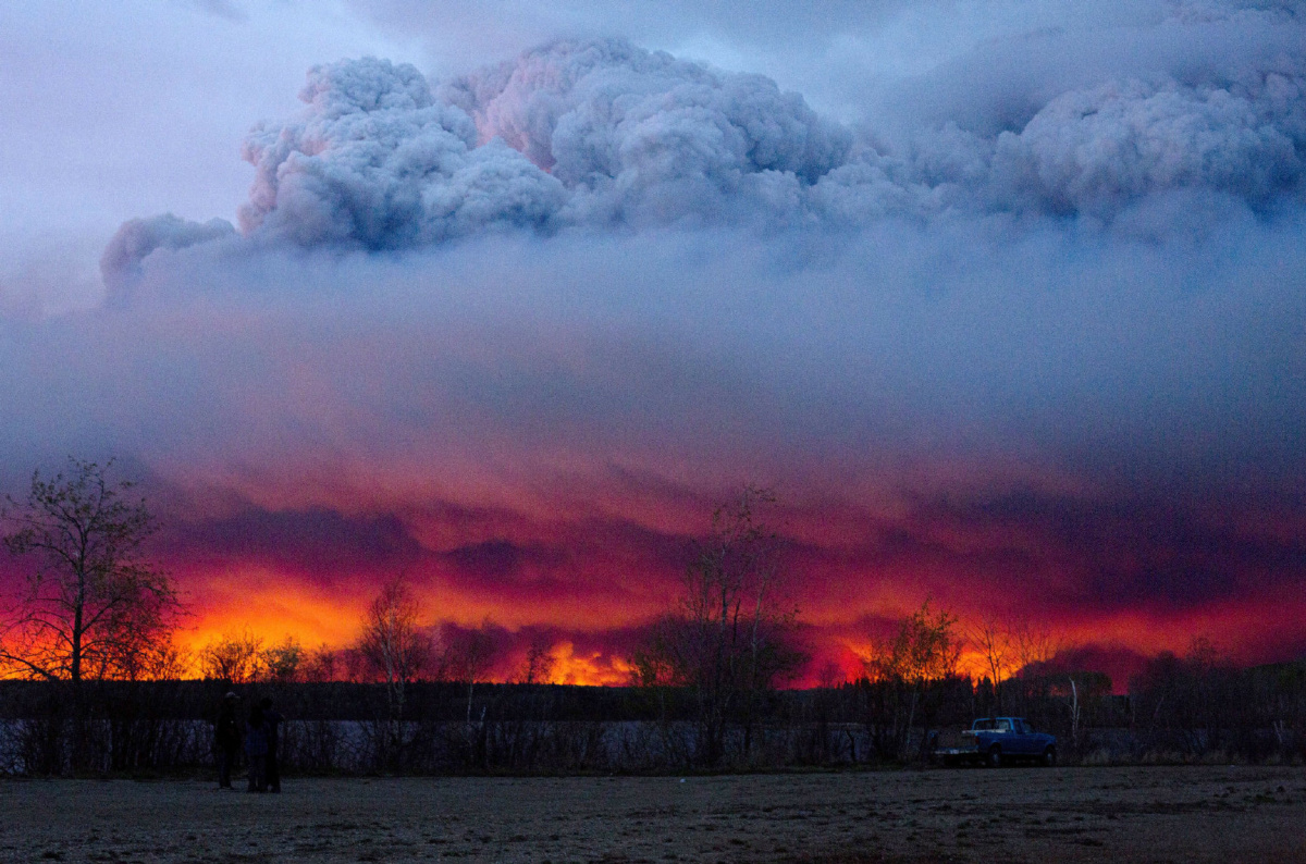 Alberta issues provincewide fire ban as crews battle flames in Fort McMurray  The Star